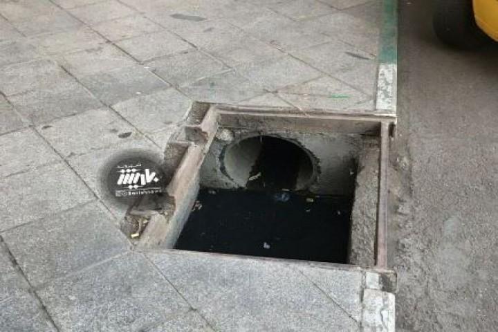 کانال فاضلاب بدون حفاظ / خیابان امام
