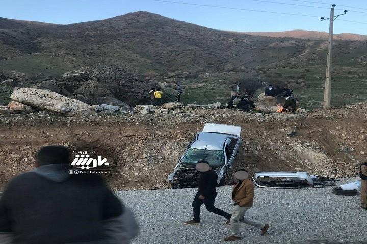 واژگونی خودرو  در دره شهدا