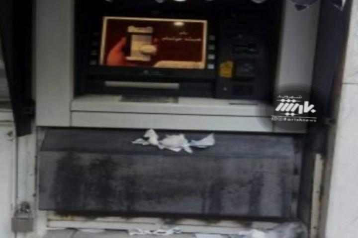 وضعیت یکی از عابر بانک های شهر در این روز های کرونایی