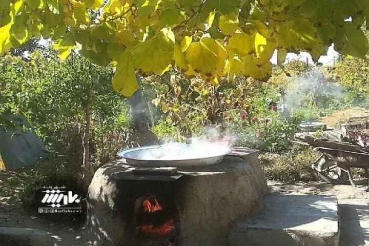 پخت دوشاب در این روزهای پاییزی