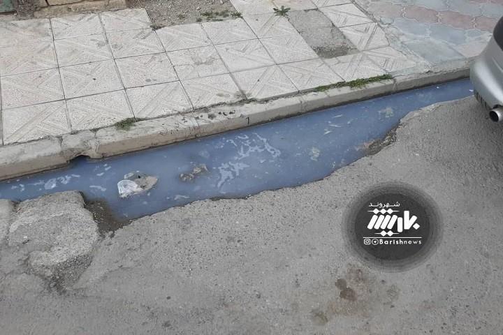 گلایه مردم از وضعیت فاضلاب بلوار استاد شهریار خیابان صبا که نیاز به رسیدگی دارد
