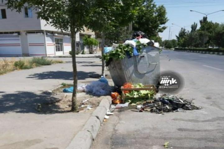 وضعیت پسماندها در خیابان شکارچی