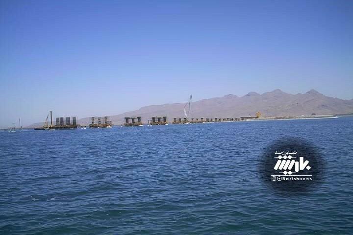 تصویری از دریاچه ارومیه قبل از احداث پل میانگذر دریاچه ارومیه