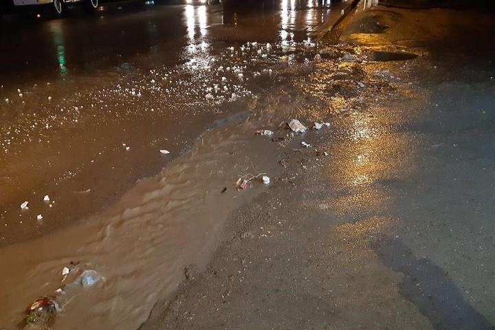 وضعیت آب جویهای زیباشهر خیابان دانشگر