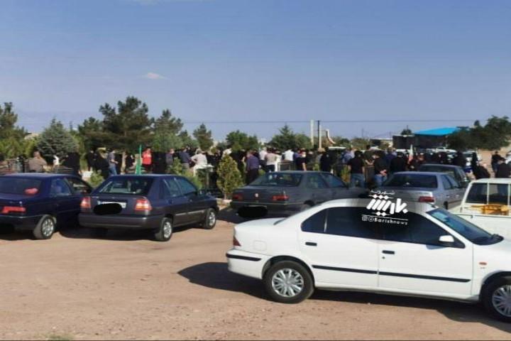 تجمع در در تشییع جنازه