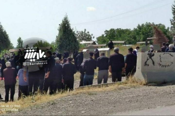 مراسم خاکسپاری و رعایت نکردن پروتکل های بهداشتی