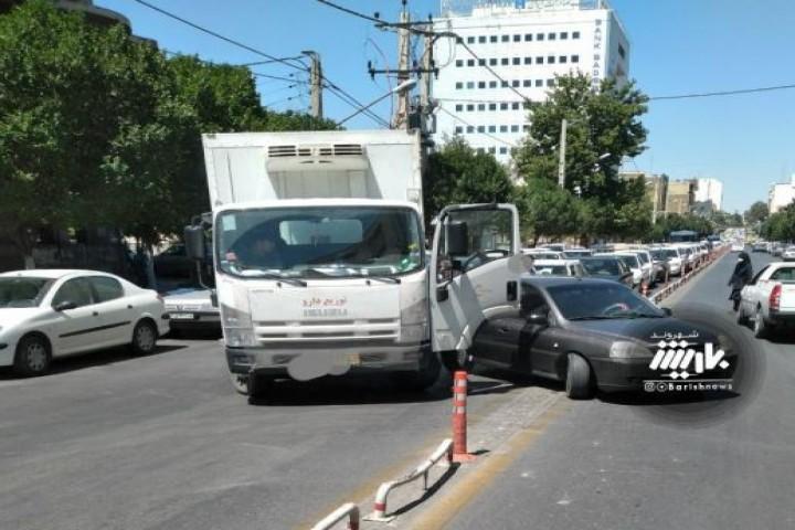 دور زدن خلاف ایجاد تصادف در خیابان کاشانی