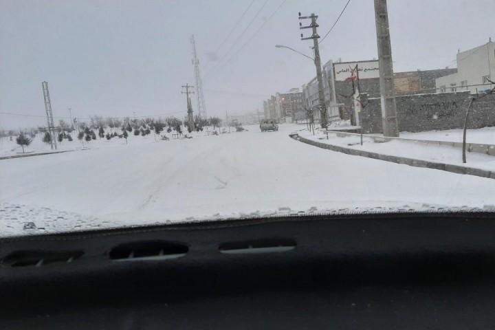 وضعیت نامناسب جاده شهرک گلمان