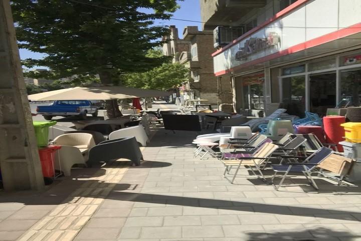 وضعیت پیاده روی خیابان درستکار / زیرپا گذاشتن حقوق شهروندی
