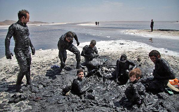 احیای ظرفیتهای درمانی دریاچه ارومیه ضرورتی که مغفول مانده است