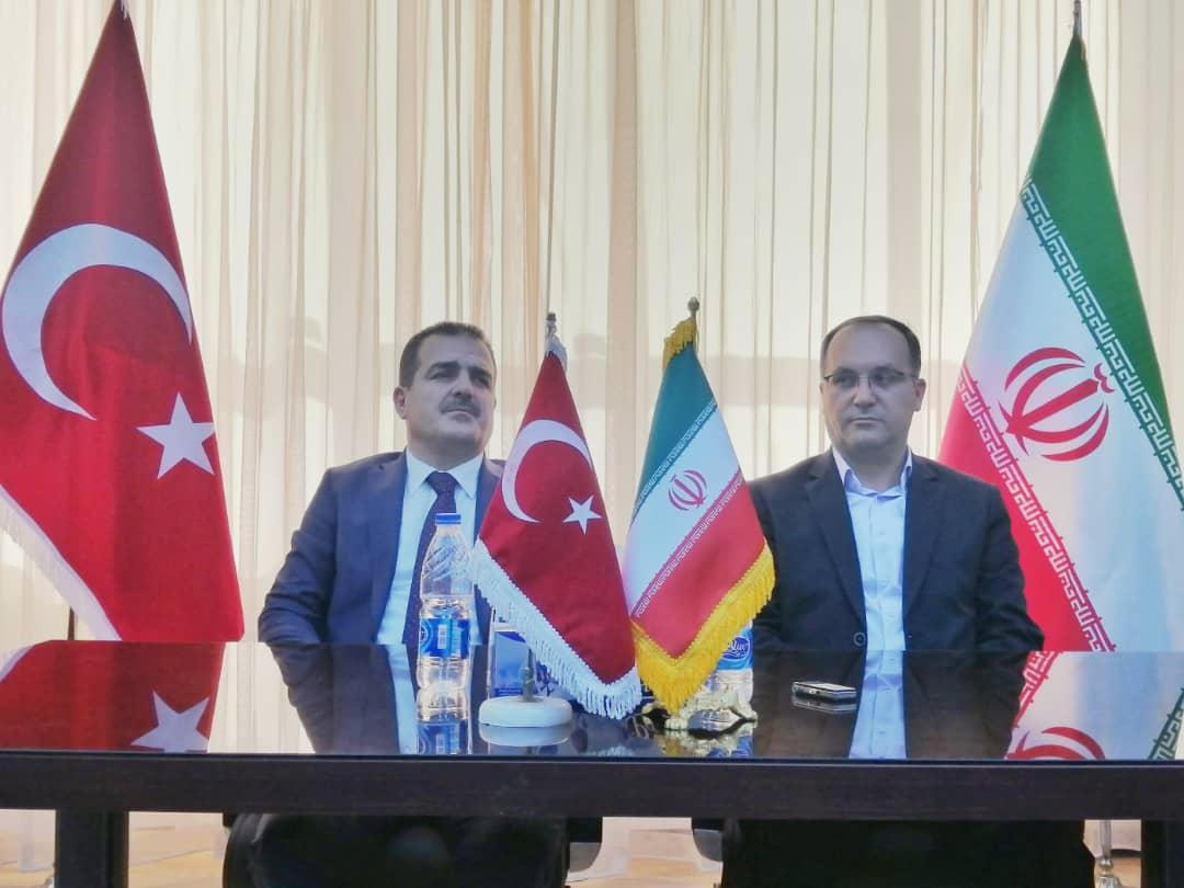 تفاهمنامه همکاری مرزی میان دو کشور امضاء شد