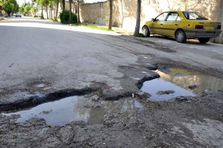 پای لنگ مدیریت شهری در ترمیم چالههای سطح شهر ارومیه