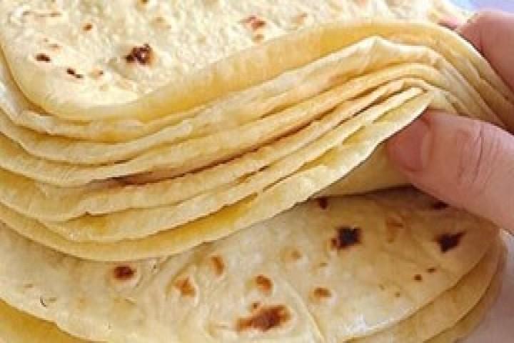هیچ مشکلی در کمبود آرد و نان نداریم