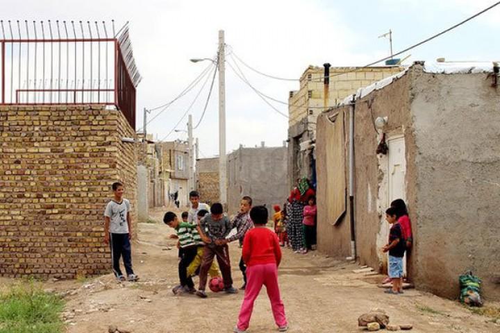 حضور در مناطق حاشیه نشین محدود به انتخابات نباشد