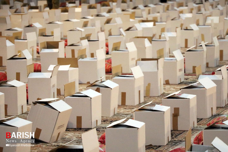 رزمایش سراسری کمک مومنانه و اهدای 200 هزار بسته معیشتی در ارومیه