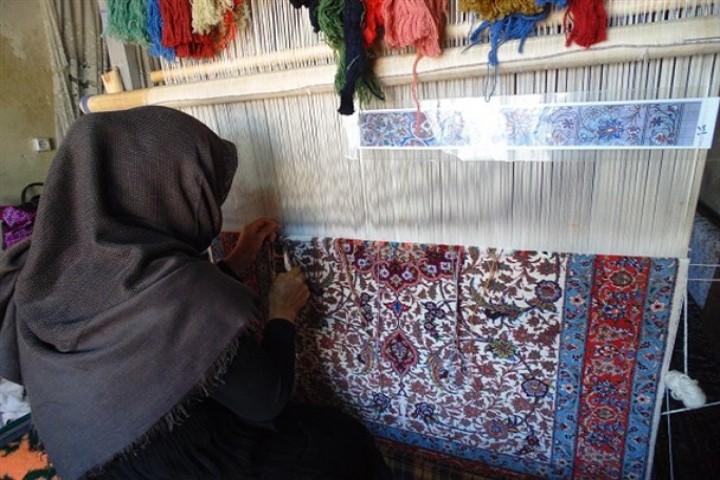 نقش انکارناپذیر زنان در توسعه اقتصاد استان