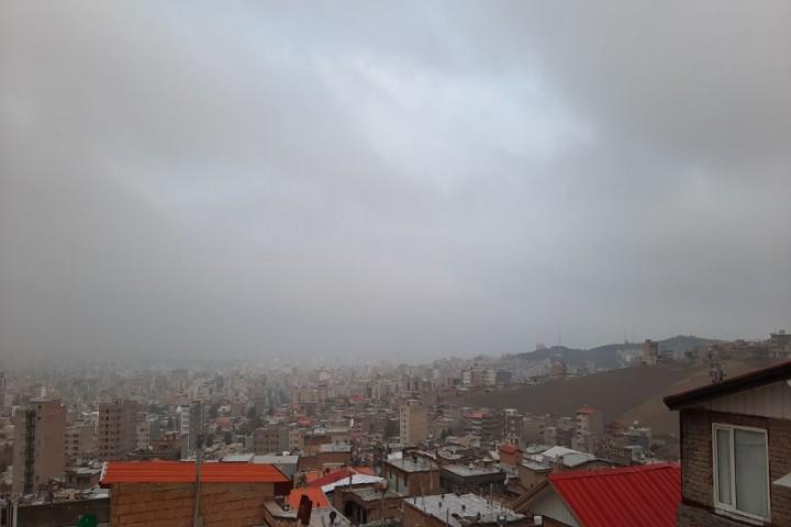 کاهش دمای هوای استان/بارش ها ادامه دارد