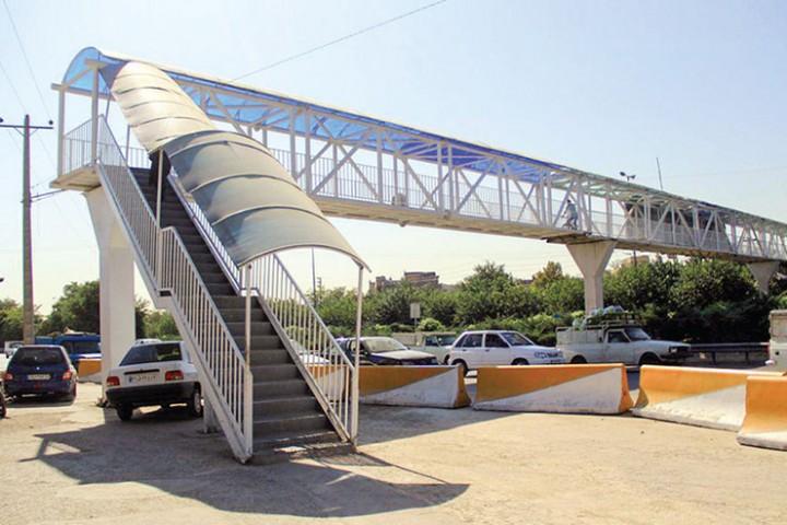ارومیه همچنان با کمبود پل عابر پیاده مواجه است
