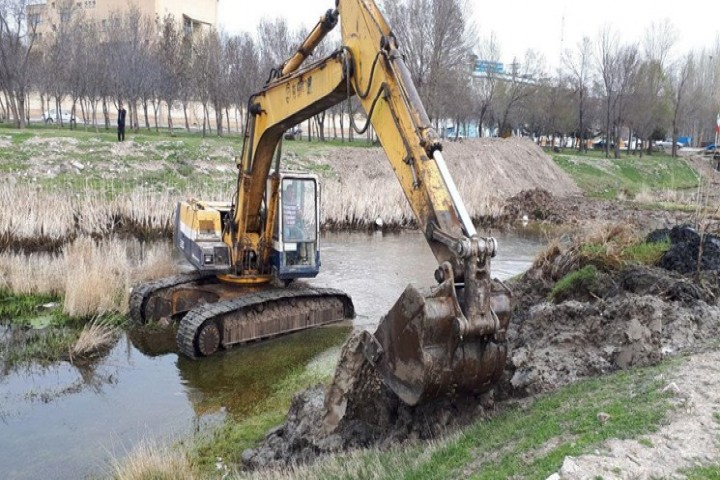 ضرورت لایروبی نقاط بحرانی رودخانه ها در آذربایجانغربی