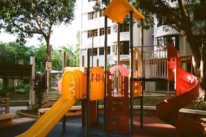 سایه نحس کرونا بر بازی کودکان در پارک