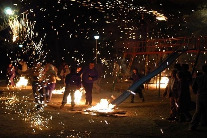 در چهارشنبه سوری آتش کرونا را شعله ورتر نکنیم