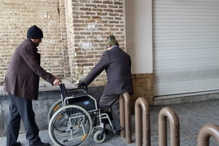 زیرساخت ضعیف شهری ، معضلی جدی برای معلولان در ارومیه