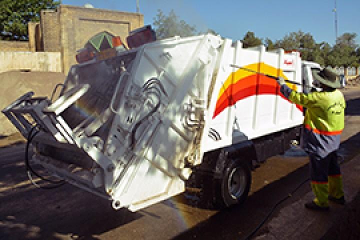 لزوم مکانیزه سازی سیستم جمع آوری زبالههای شهری