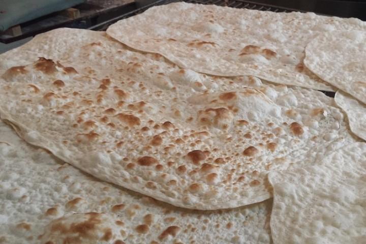 مردم ارومیه خواستار پیگیری کمبود نان از سوی مسئولان هستند