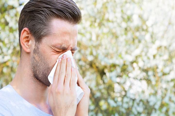 چگونه آلرژی فصل بهار را از کرونا تشخیص دهیم؟