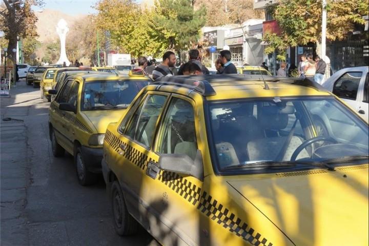 رانندگان تاکسی فاصلهگذاری اجتماعی را رعایت کنند