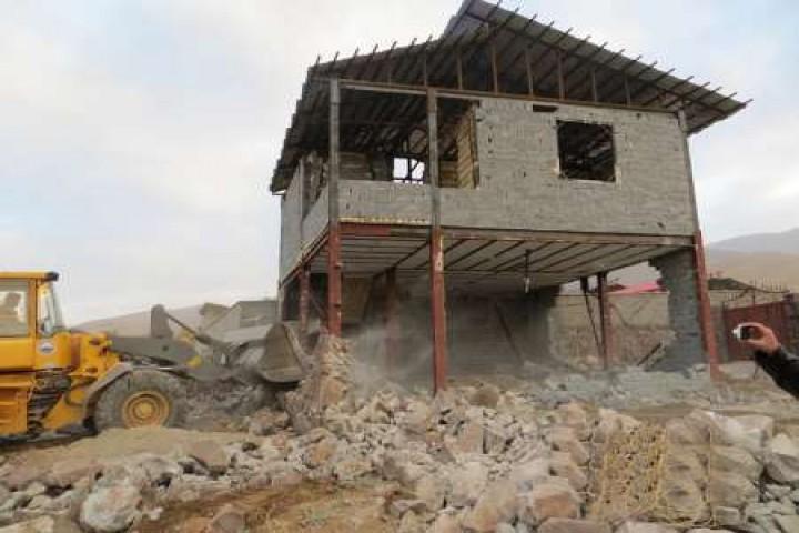 نارضایتی مردم از تخریب خانه باغهای روستایی در ارومیه