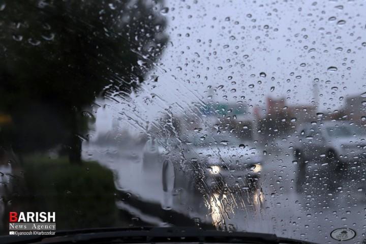 احتمال آبگرفتگی معابر شهری در پی بارش باران