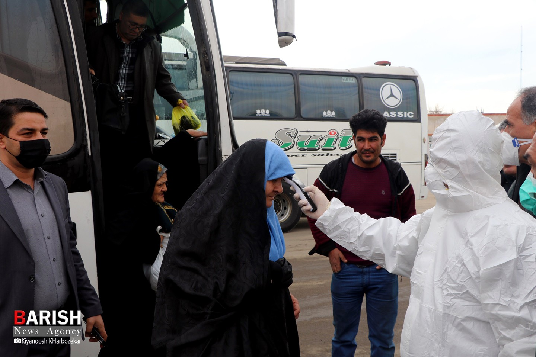 ضدعفونی حمل و نقل برون شهری و تب سنجی مسافران در ترمینال ارومیه