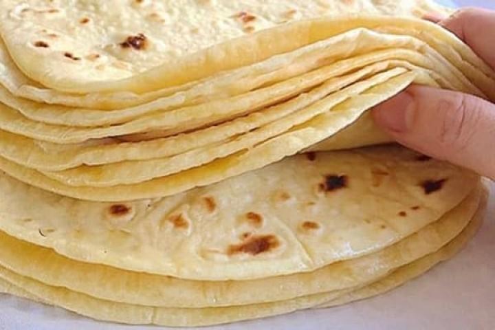 کمبود نان در نانوایی های ارومیه وجود ندارد