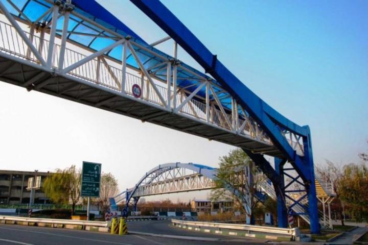 خیابانهای ارومیه همچنان از کمبود پل عابر پیاده رنج میبرند