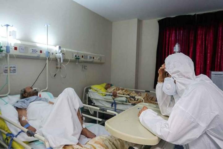 کادر درمان آذربایجان غربی در برزخ کرونا / مدافعان سلامت خسته و چشم انتظار عزم همگانی