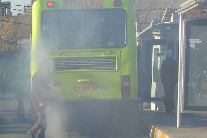 ریه های شهر مملو از دود اگزوز اتوبوس های شهری