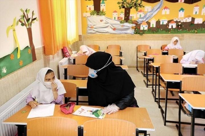 دغدغه معیشت و ناسازگاری آن با جایگاه و منزلت مقام معلم
