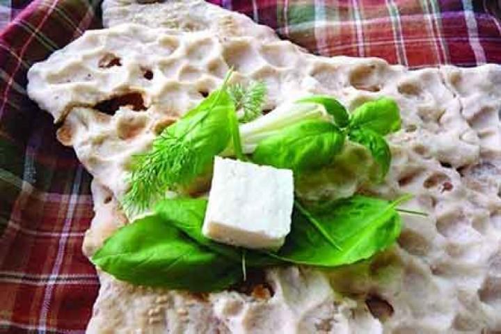 اقشار ضعیف جامعه دیگر نان و پنیری هم برای خوردن ندارند!
