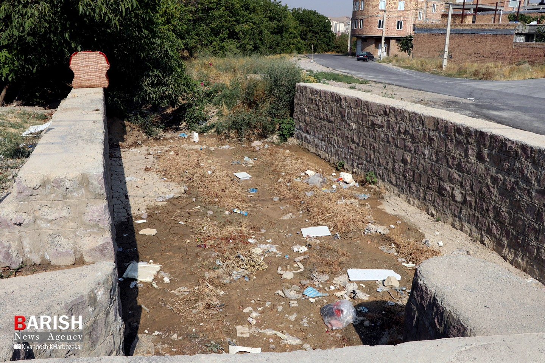 وضعیت نابسامان آسفالت و خدمات شهری کوی کوهساران خیابان زرین