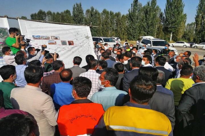 سفر وزیر راه و شهرسازی در روزهای کرونایی به آذربایجانغربی