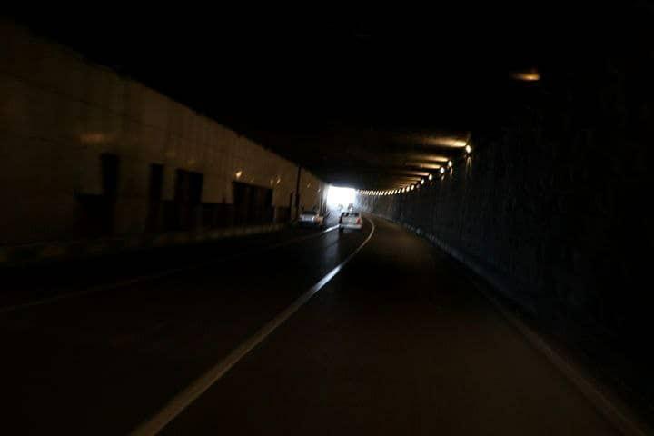 زیرگذر امام علی (ع) ارومیه همچنان از نبود روشنایی رنج میبرد