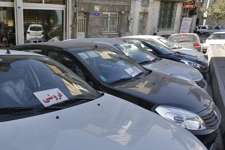 دلالان خودرو، بازار آشفته خودرو را آشفته تر میکنند