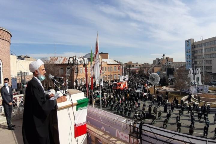 وحدت مردم آذربایجانغربی الگویی برای تمام جوامع ایران اسلامی است