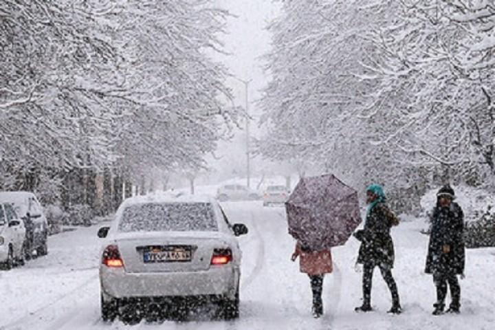 بارش برف و باران و وزش باد در آذربایجانغربی