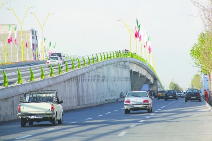 تبدیل پل های روگذر ارومیه به محلی برای کورس