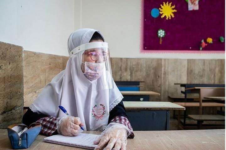 گرفتاری دانش آموزان به کرونا نتیجه سوء مدیریت آموزش و پرورش