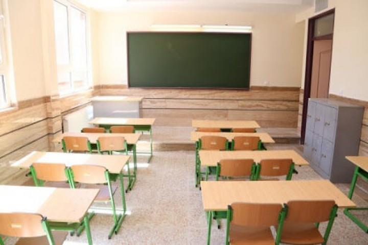 پوشش نامناسب در برخی مدارس غیرانتفاعی/چه کسانی نظارت میکنند؟