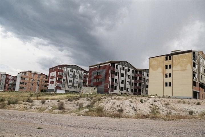 رنج ماندگار گلمان از کمبود زیرساختهای شهری