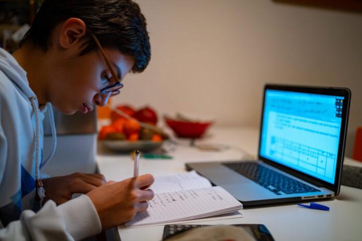 اختلالات اینترنتی در فصل امتحانات دانش آموزان را کلافه کرد